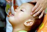 Sai lầm thường gặp khi cho trẻ uống thuốc
