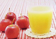 Đồ uống Tết: Nước táo ép
