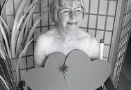 Các cụ bà... chụp ảnh khỏa thân