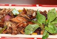 Món ngon ăn Tết: Vịt quay xào ngũ sắc