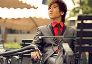 Con trai NSND Thanh Hoa ra album đầu tay