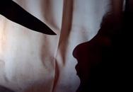 """""""Nói chuyện"""" với vợ bằng dao"""