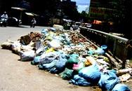Cầu... rác ở phố Đông Tác