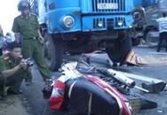 Xe máy va ôtô, 3 người chết tại chỗ
