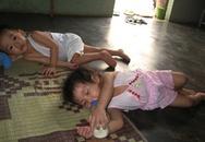 Bố mẹ 'nín thở' gửi con ở nhóm trẻ tư