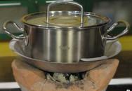 Mẹo giữ xoong nồi không đen khi nấu bếp than