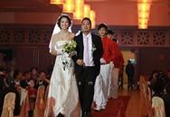 Hoa hậu Trần Thị Quỳnh rạng rỡ trong ngày cưới