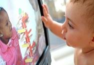 Mê hoạt hình, bé sống trong thế giới ảo