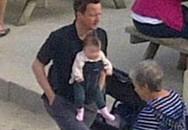 Thủ tướng Anh địu con đi chơi