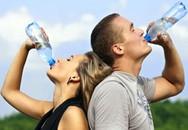 Nên uống nước trước và sau ngủ