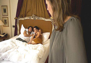 Từ góc khuất sau bức rèm phòng ngủ