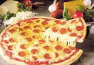 Làm bánh pizza bằng... chảo