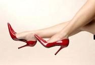 Giết người yêu bằng... giày cao gót
