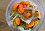 Tự chế dưa cà rốt hành ăn dần
