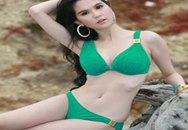 Ngọc Trinh nõn nà với bikini xanh