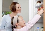 Những lợi - hại khi trẻ ăn đồ tủ lạnh