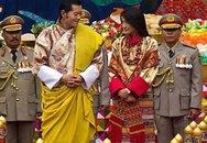Đám cưới giản dị của vị vua trẻ và cô sinh viên xinh đẹp