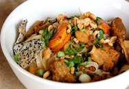 Tập nấu mỳ Quảng ở nhà