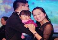'Vàng Anh' Minh Hương đưa con gái dự tiệc