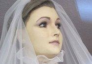 Bàng hoàng Ma-nơ-canh làm từ... thi thể người