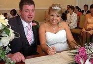 Cô dâu sinh con vào đúng ngày cưới