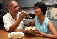 Xúc động chồng già hiến thận cho vợ vì yêu