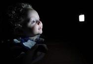 Em bé không bao giờ ngủ và nụ cười chưa bao giờ tắt