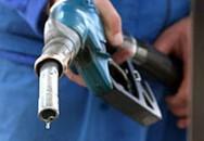 Giá xăng đã giảm gần 400 đồng/lít