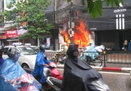 Cháy cửa hàng thời trang trên phố Chùa Bộc