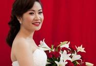 Váy cưới thướt tha của vợ GS Xoay