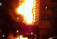 Khách tháo chạy vì quán karaoke 6 tầng bén lửa