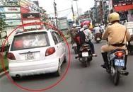 10 cảnh sát Hà Nội hú còi đuổi xe 'điên' như phim