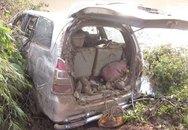 Ai oán tiếng trẻ thơ gọi cha lần cuối trên chiếc xe bị lũ cuốn trôi