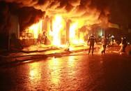 Chợ Phố Hiến bốc cháy dữ dội