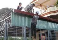 Sửa nhà chống nóng: Thợ làm không hết việc