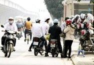 Xe không chính chủ và mũ bảo hiểm rởm: Loay hoay giữa phạt và… tha