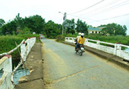 Quảng Trị: Hiểm nguy rình rập tại cầu Nam Thạch Hãn