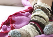 Giữ ấm đôi chân để phòng bệnh mùa lạnh