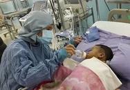 Mẹ cho lá gan để cứu sống con gái: Đứng suốt 15 giờ để hoàn tất ca phẫu thuật