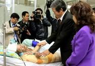 Đồng chí Đinh Thế Huynh thăm một số Bệnh viện nhân ngày 27/2