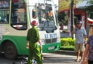 Đi dạo phố, nữ Việt kiều bị xe buýt cán nát chân