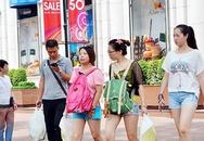 Sài Gòn, hàng hiệu giá giảm 70% vẫn ế