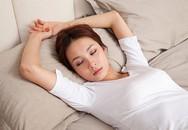 Chọn tư thế ngủ tốt nhất cho sức khỏe hiện tại của bạn