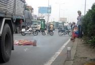 Chết thảm vì nghe điện thoại khi băng qua đường