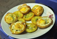Bánh căn, chè chuối nướng ngon lạ ở vỉa hè Nguyễn Như Đổ