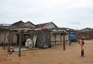 Lốc xoáy bất ngờ, hàng chục ngôi nhà thiệt hại