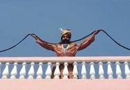 Người đàn ông đẹp trai có bộ ria mép dài nhất thế giới
