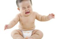 Lý do không nên bỏ mặc bé khóc