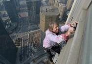 """""""Người nhện"""" tay không leo lên toà nhà cao 288 mét"""