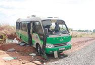 Xe khách lộn 2 vòng, 20 người bị thương nặng